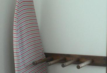 屋内用縦置きサーフボードホルダー